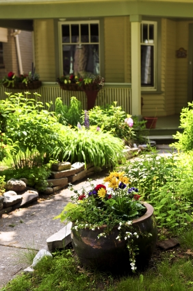 home-curb-appeal-landscape-garden-photo-photos-flower-pot